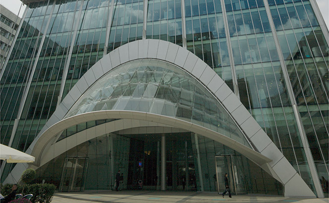 Revolving doors: Simmons and CMS make City banking and pensions hires as Gibson Dunn bolsters its Paris bench